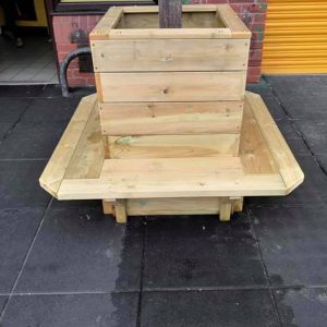 Post Planter With Wooden Bench